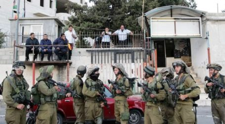 ZIONIST FORCES KILL TWO PALESTINIANS AND INJURE DOZENS IN WEST BANK