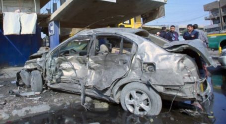10 KILLED IN BAGHDAD CAR BOMB BLAST