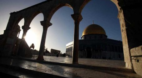 ISRAEL DEMOLISHES MUSLIM TOMBS IN ALQUDS