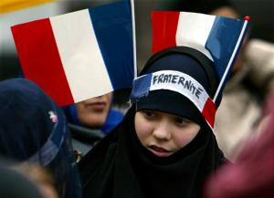 FRENCH MUSLIMS SHOW SUPPORT FOR IRAQI CHRISTIANS