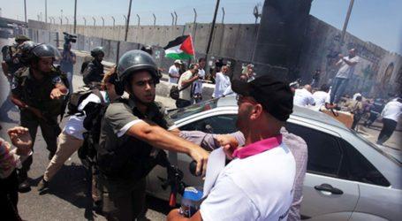 ISRAEL DETAINS 12 PALESTINIAN JOURNALISTS