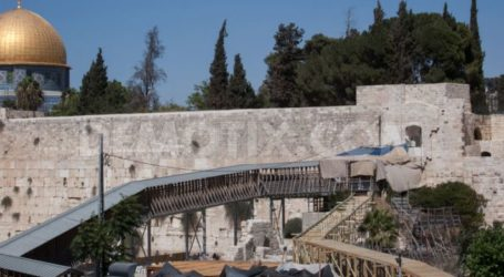 NETANYAHU ORDERS REMOVAL OF WOODEN RAMP AT AQSA MOSQUE'S WESTERN WALL