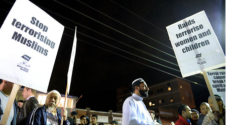 HUNDREDS OF MUSLIMS SYDNEY JOIN PROTEST AGAINST TERROR RAIDS
