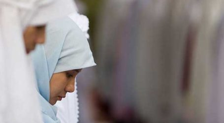 VEILED MUSLIMS CONSIDER LEAVING FRANCE