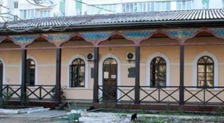 RUSSIANS BURN BOOKS TO LIQUIDATE CRIMEA'S UKRAINIAN PAST