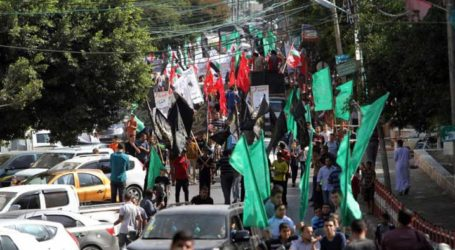 LARGE MARCH IN GAZA IN SUPPORT OF AQSA MOSQUE