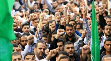 MASS RALLIES IN GAZA AND WEST BANK AGAINST CLOSURE OF AL AQSA MOSQUE