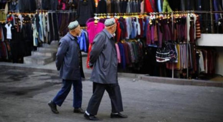 CHINA'S MAINLY MUSLIM REGION TO BAN VEILED ROBES