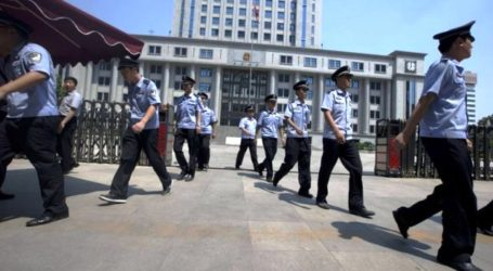 CHINESE COURT SENTENCES 8 TO DEATH FOR XINJIANG ATTACKS