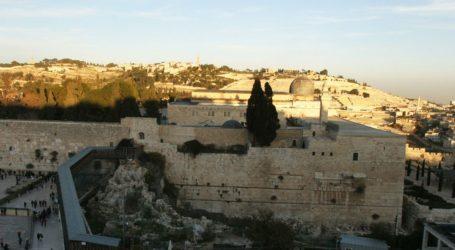 PALESTINIANS RAISE CONCERNS OVER DANGERS FACING AL-AQSA MOSQUE
