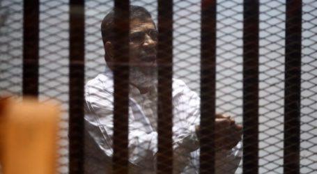 EGYPT'S OUSTED PRESIDENT MORSI DENIES SENDING MONEY TO GAZA