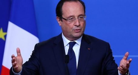 HOLLANDE CALLS FOR UNITY, SAYS ISLAM NOT TO BLAME