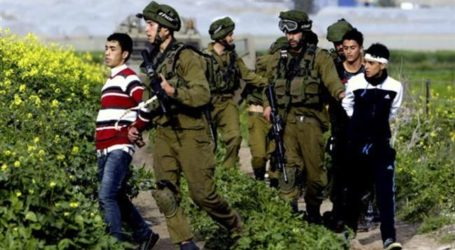 ZIONIST FORCES ATTACK PALESTINIAN PROTESTERS IN WEST BANK