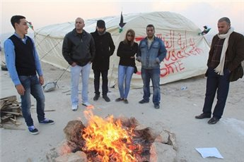 ACTIVISTS REBUILD E1 PROTEST CAMP FOR 9TH TIME AFTER ISRAELI ARMY RAID