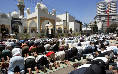 MUSLIMS DEPLORE KENYA RESTRICTIONS ON IMAMS