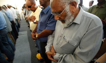 CANADA MUSLIMS DEFEND FAITH AGAINST TERROR