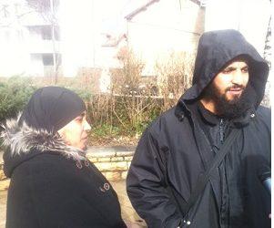 FRENCH POLICE TAKE KIDS FROM MUSLIM MOM