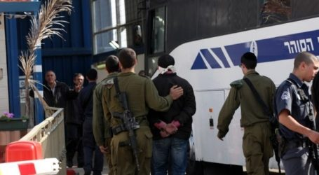 IOF SOLDIERS ARREST NINE PALESTINIANS INCLUDING MINORS