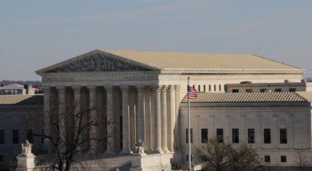 US SUPREME COURT HEARS CASE ON MUSLIM WEARING HEADSCARF