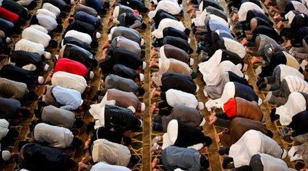 BRITISH MUSLIMS DECRY GOV'T WITCH HUNT