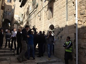 SETTLERS ATTEMPT TO TAKE OVER PALESTINIAN HOUSE IN AL QUDS
