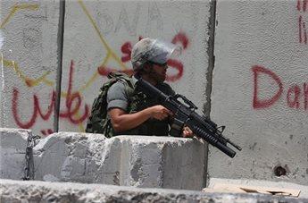DOZENS INJURED IN CLASHES NORTH OF JERUSALEM