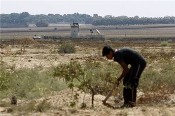 ISRAELI TROOPS OPEN FIRE AT GAZA FARMERS FOR THE 3RD TIME IN 4 DAYS