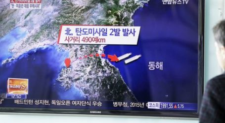 NORTH KOREA FIRES MISSILES INTO SEA AS US-SEOUL WAR GAMES BEGIN