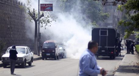 ONE DEAD IN BOMBING NEAR FRENCH SUPERMARKET IN EGYPT