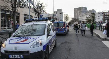 FOUR HELD OVER ATTACK ON PARIS KOSHER SHOP