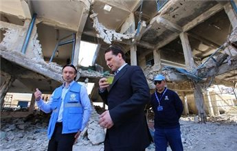 UNRWA CHIEF JOINS AID CONVOY INTO BESIEGED YARMOUK CAMP