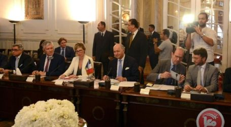FRENCH FM CALLS FOR RENEWED MIDEAST PEACE TALKS