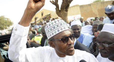 NIGERIA'S BUHARI SACKS MILITARY CHIEFS, SPOKESMAN CONFIRMS