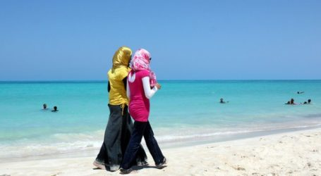 MUSLIMS MOSCOW ASK FOR HIJAB FRIENDLY BEACHES