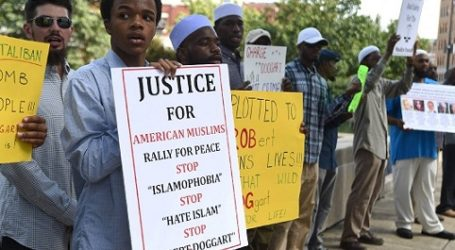 US MUSLIMS FEAR MOUNTING THREATS AFTER ATTACKS