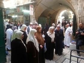 IOF PREVENTS PALESTINIAN WOMEN'S ACCESS TO AL-AQSA