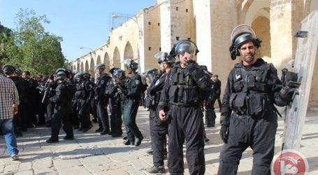 ISRAELI FORCES DENY PALESTINIANS ENTRY TO AQSA COMPOUND