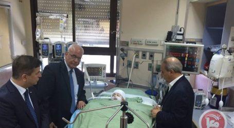 PA OFFICIALS VISIT DAWABSHA FAMILY AT TEL AVIV HOSPITAL