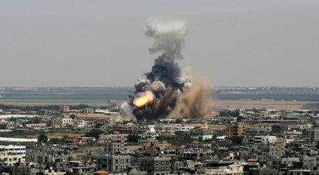 ISRAELI BOMB FROM GAZA WAR EXPLODES, 4 KILLED