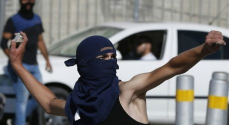 ISRAEL BROADENS RULES ON USE OF LIVE FIRE AGAINST STONE-THROWERS