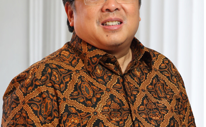 INDONESIAN SPENDING OF BUDGET FUNDS IN ECONOMIC SECTOR 34 PERCENT OF TARGET