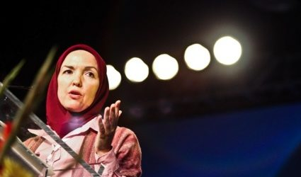 US MUSLIM REVERTS TELL THEIR STORIES IN ISNA