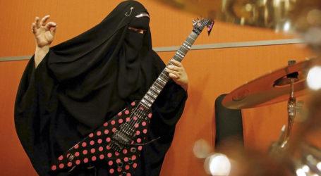 MEET MARIE, THE BURQA-WEARING MUSLIM HEAVY METAL GUITARIST