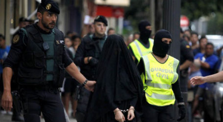 WOMAN ARRESTED IN SPANISH TO JOIN SEPARATIST