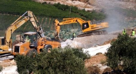JEWISH SETTLERS KEEP ANNEXING MORE LANDS IN SALFIT