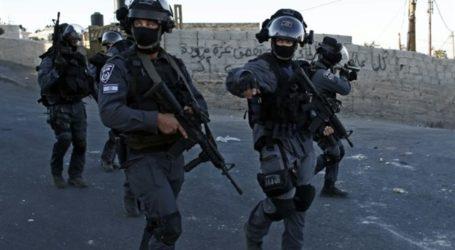 7 ISRAELIS INJURED IN PALESTINIAN STAB ATTACKS