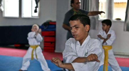 EVEN THE BLIND DO KARATE IN GAZA