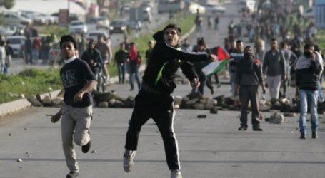 HAMAS CALLS FOR NEW INTIFADA AS ISRAEL KILLS FIVE IN GAZA