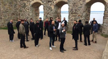 POLICE SWOOP ON BEARD MEETING AT SWEDISH CASTLE