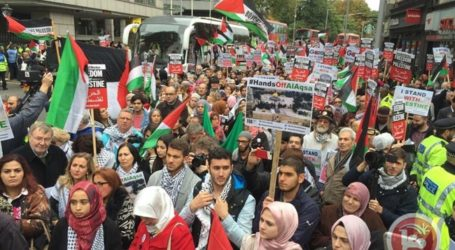 THOUSANDS MARCH IN LONDON IN SUPPORT OF PALESTINE